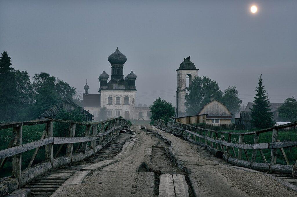 8-е місце: Дерев'яний міст і церква Параскеви П'ятниці, Плесецький район, Архангельська область, РФ
