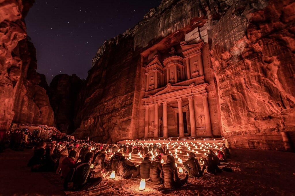 2-е місце. Аль-Хазне, «Скарбниця», храм у давньому місті Петра, Йорданія