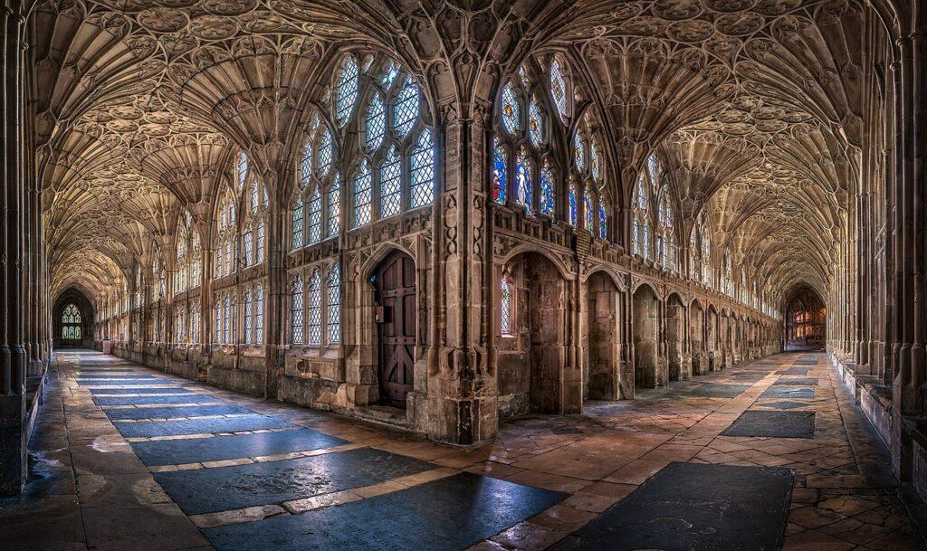 3-є місце. Крита галерея Глостерського собору, Велика Британія